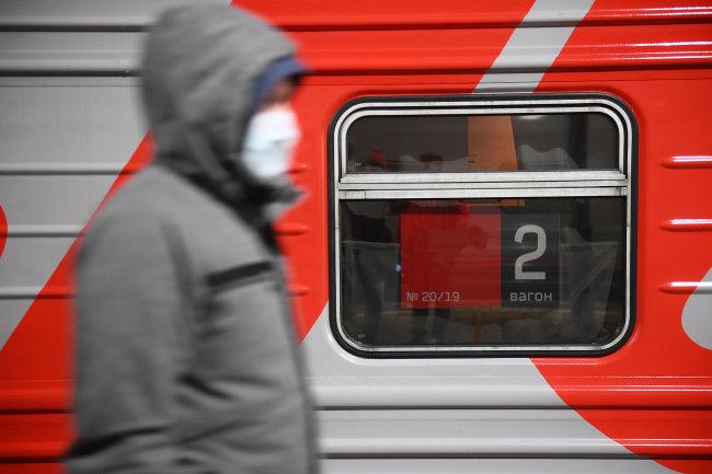 Од подне укидање међуградског аутобуског и железничког саобраћаја