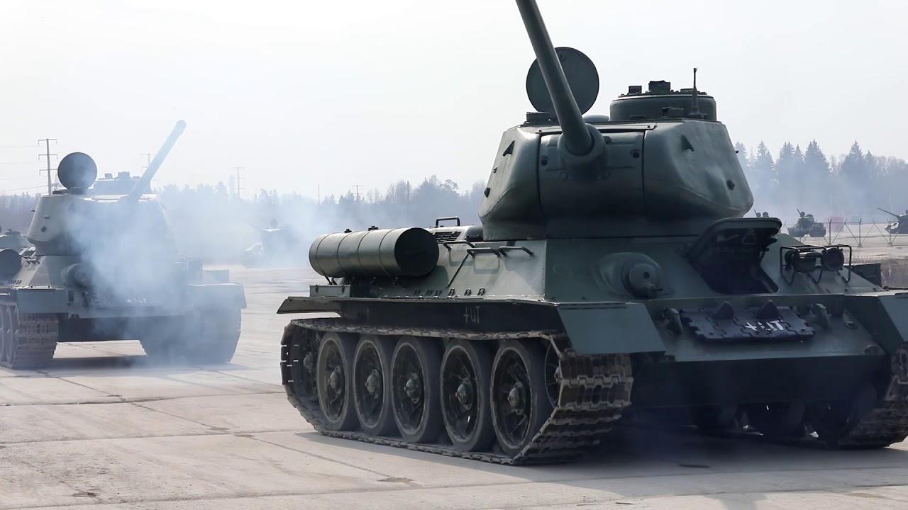 Ремонтовани тенкови Т-34 спремни за Параду победе