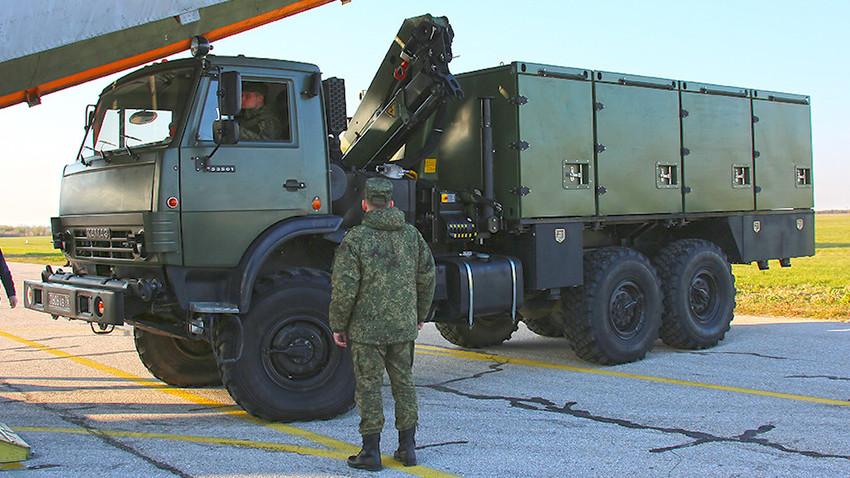 Руска армија у Србију пребацила и системе аеросолне дезинфекције