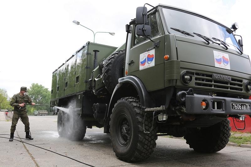 Руски војни стручњаци у Србији дезинфиковали више од 1,3 милиона квадратних метара објеката