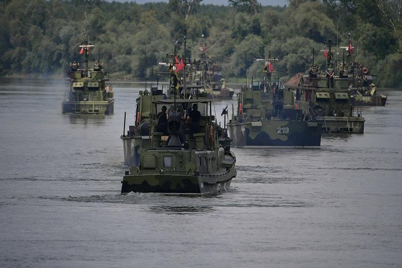 Гађање јединица Речне флотиле