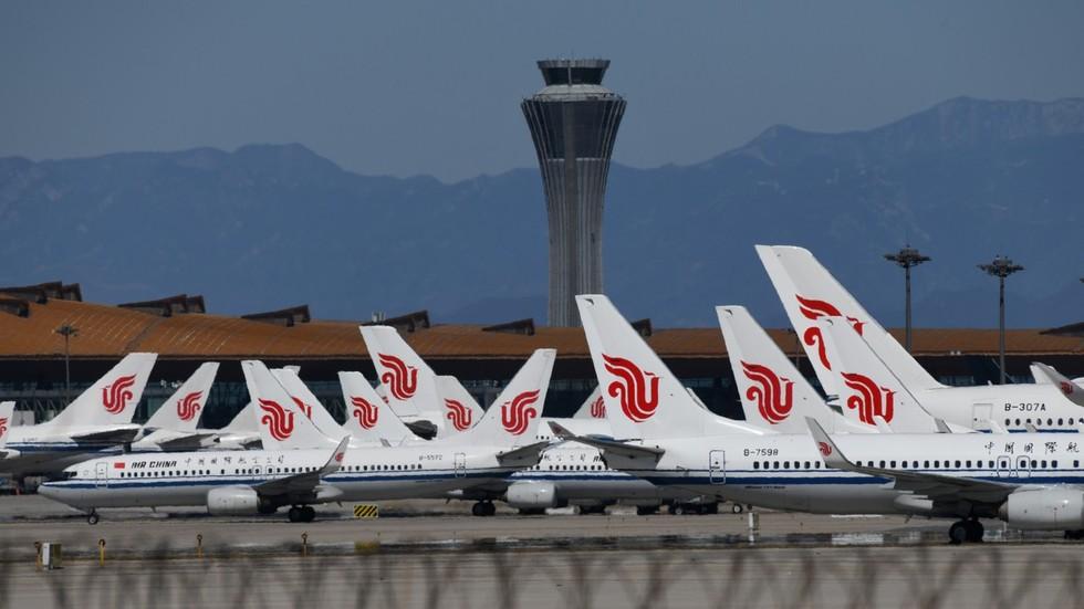 РТ: Више од 1200 летова отказано у Пекингу након што се коронавирус поново појавио