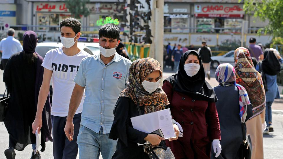 РТ: Око 25 милиона Иранаца до сада заражено коронавирусим, а бројка би се могла знатно повећати - Рохани