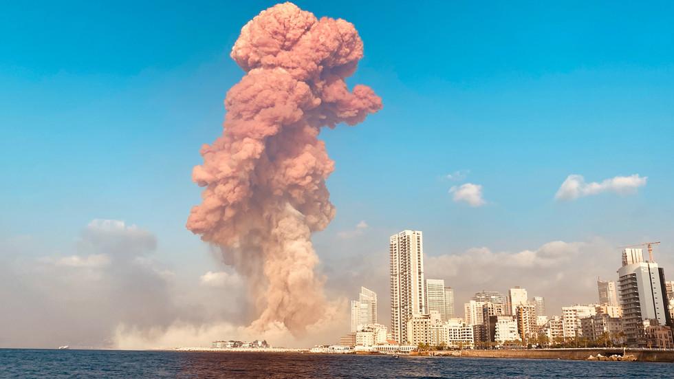 """РТ: """"Нека врста бомбе""""? Трамп каже да амерички војни званичници сматрају да је експлозија у Бејруту била напад"""