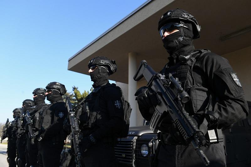 Припадници Војске Србије опремљени најсавременијом опремом