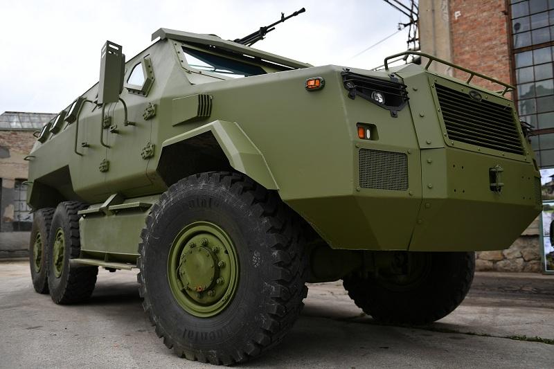 Висок ниво балистичке и противминске заштите новог оклопног борбеног возила М-20 MRAP 6x6