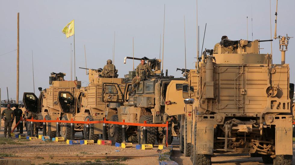 РТ: Вашингтон распоређује оклопна возила у Сирији и појачава ваздушне патроле након инцидента са руским снагамаеђује оклопна возила у Сирији и појачава ваздушне патроле након прашине руских снага