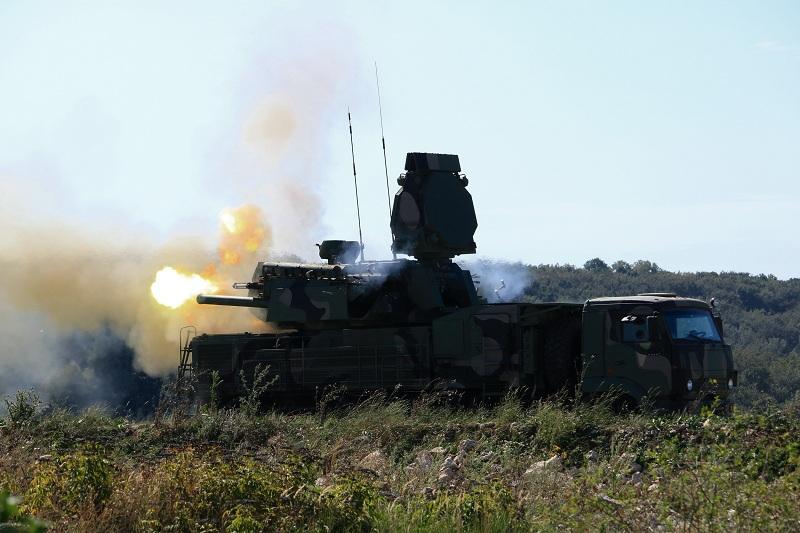 """Гађање из ПВО система """"ПАСАРС"""" и """"Панцир С1"""" на полигону Пасуљанске ливаде"""