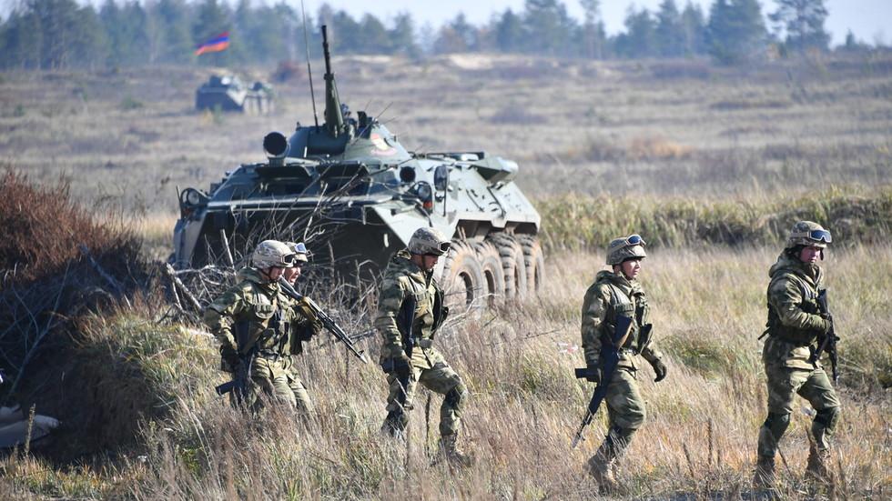 РТ: Азербејџан и Јерменија наставили са борбама због спорног Нагорно-Карабаха, распоређено тешко наоружање