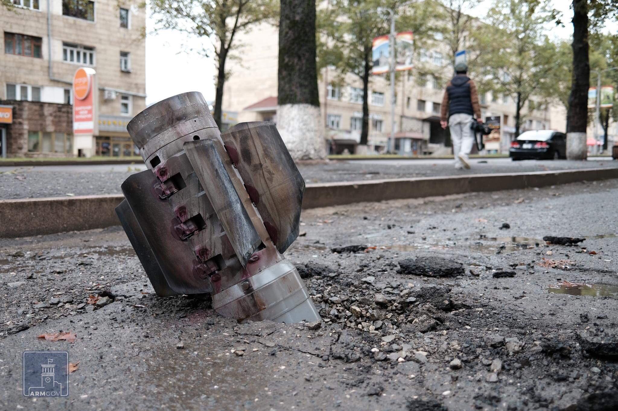 U Stepanakertu otkriveno i uništeno 180 kasetnih bombi