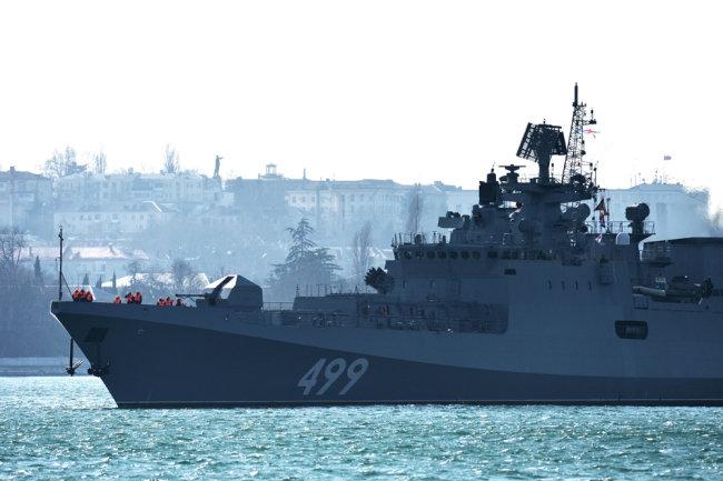 Снаге Црноморске флоте прате групу НАТО бродова који су ушли у Црно море