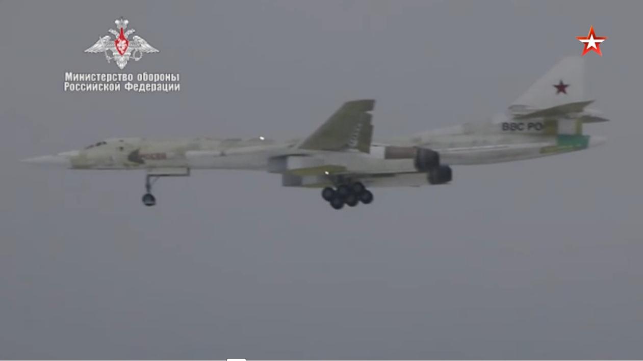 Први лет модернизованог стратешког бомбардера Ту-160М