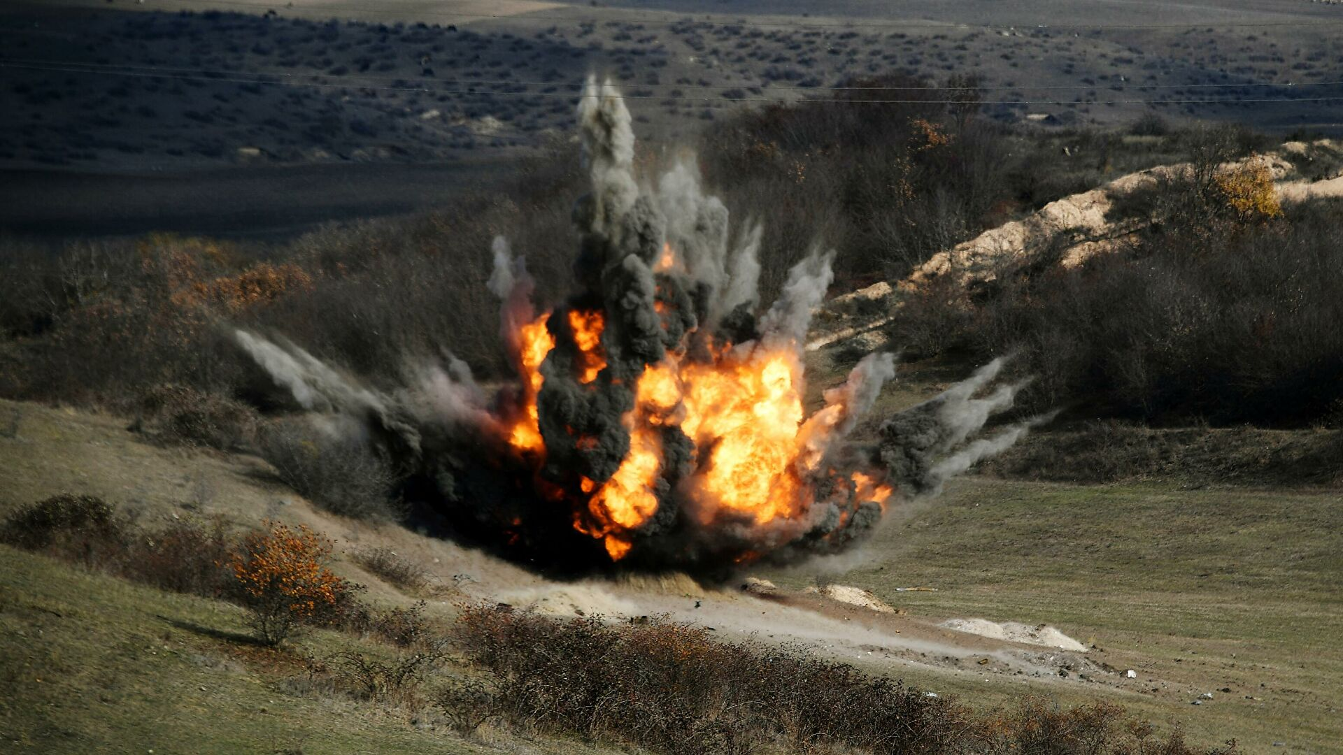 Руске мировне снаге у Нагорно Карабаху настављају са деминирањем и враћању цивилне инфраструктуре у нормални режим рада