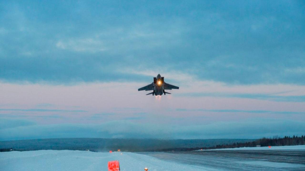 Браниоци Арктика: Авиони МиГ-31 преузели борбену дужност на архипелагу Нова Земља