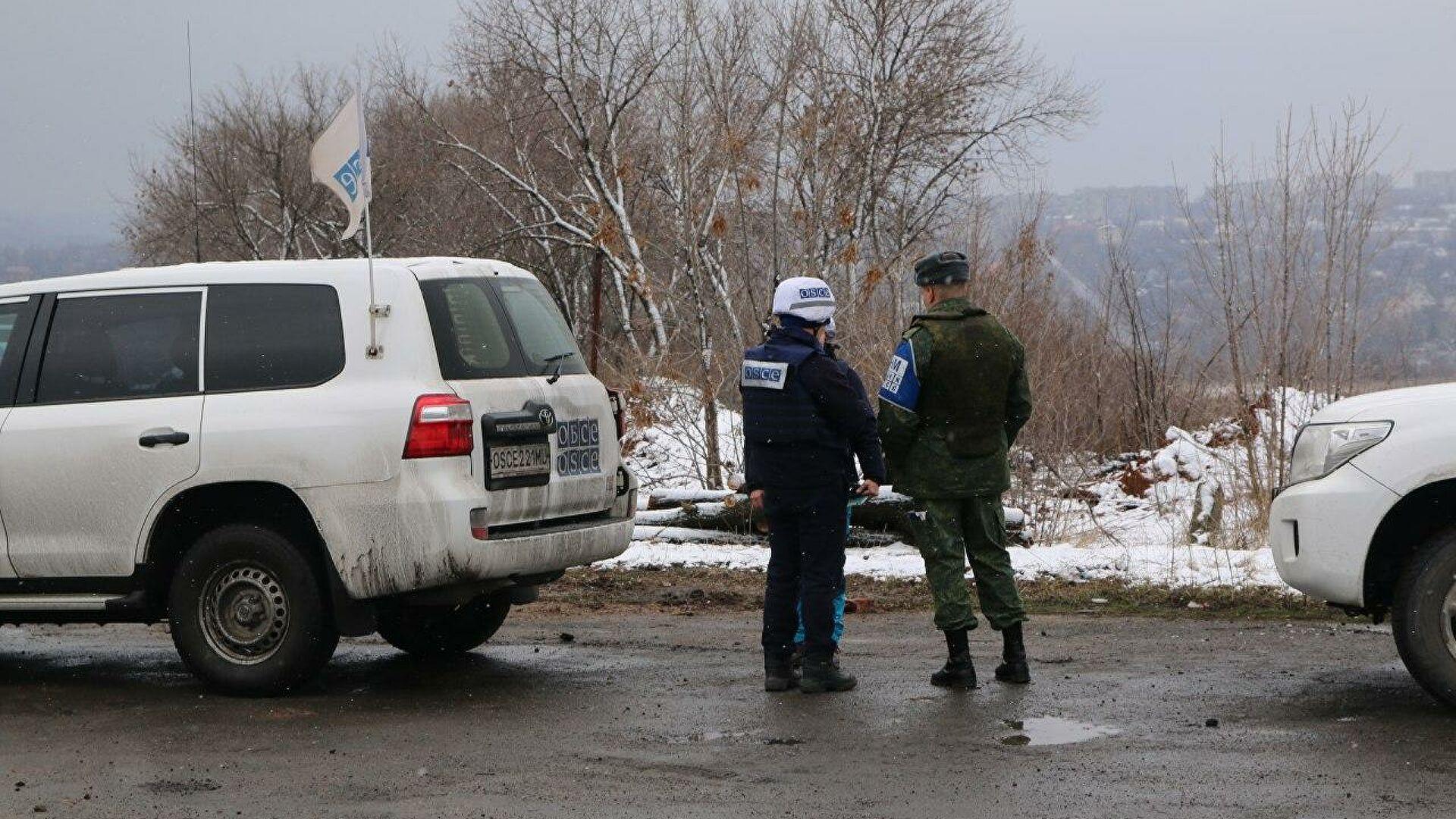 Луганск оптужио Кијев за распоређивање борбене технике у насељена места