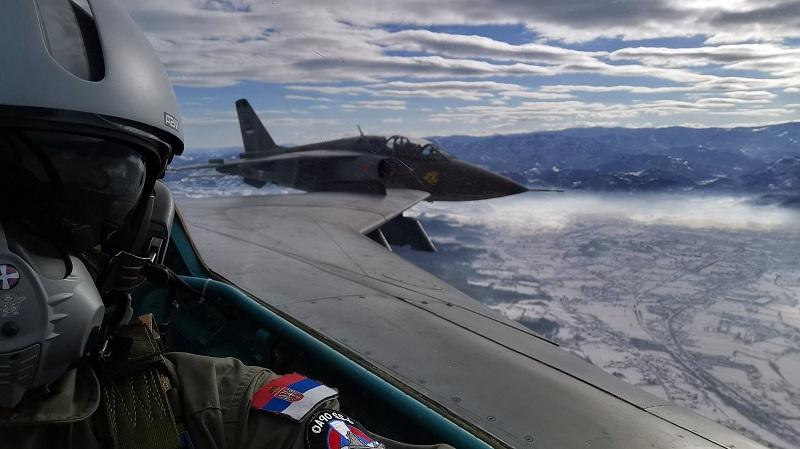 Obuka pilota i tehničkog sastava 98. vazduholovne brigade