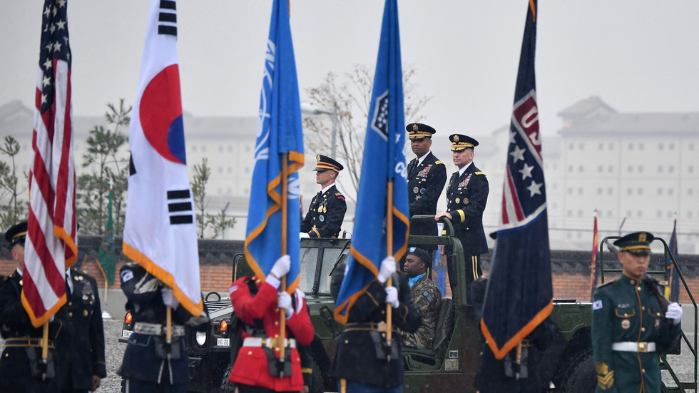 РТ: Вашингтон и Сеул настављају вежбу која симулира рат са Северном Корејом након паузе због разговора Трампа и Кима