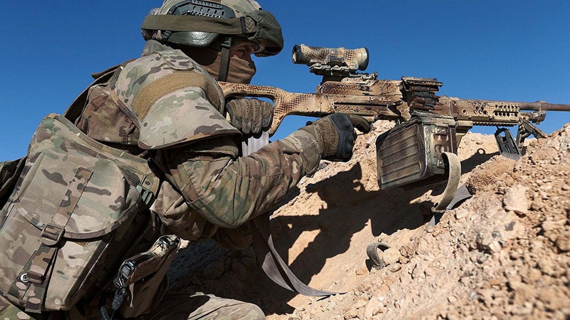 Sirijske snage uz podršku vazduhoplovnih snaga Rusije uništile veliko skladište terorista
