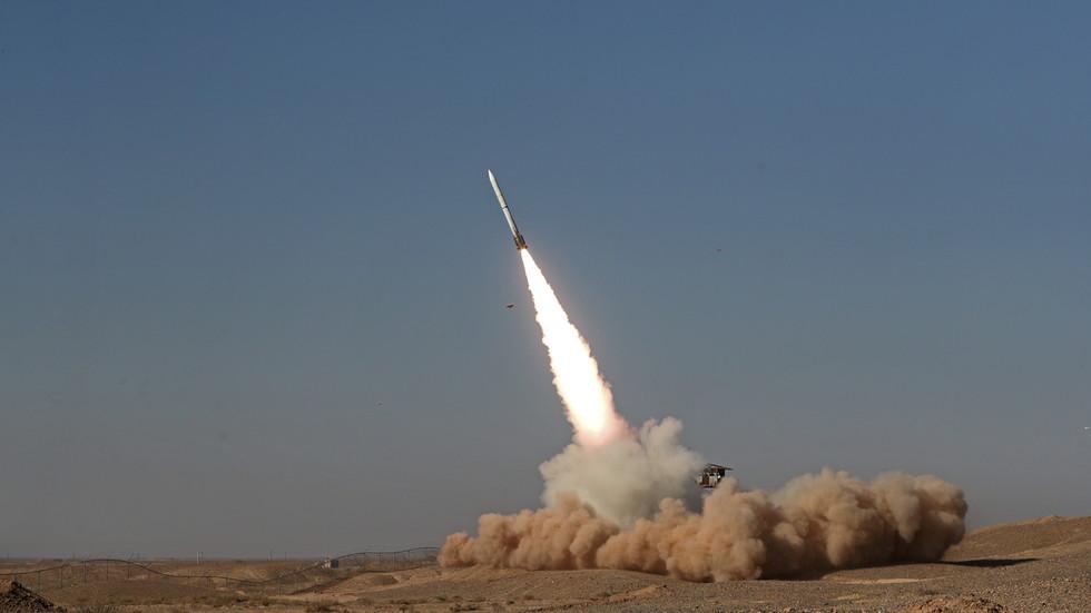 РТ: Иран чврсто посвећен развоју ракетних способности, каже министар одбране
