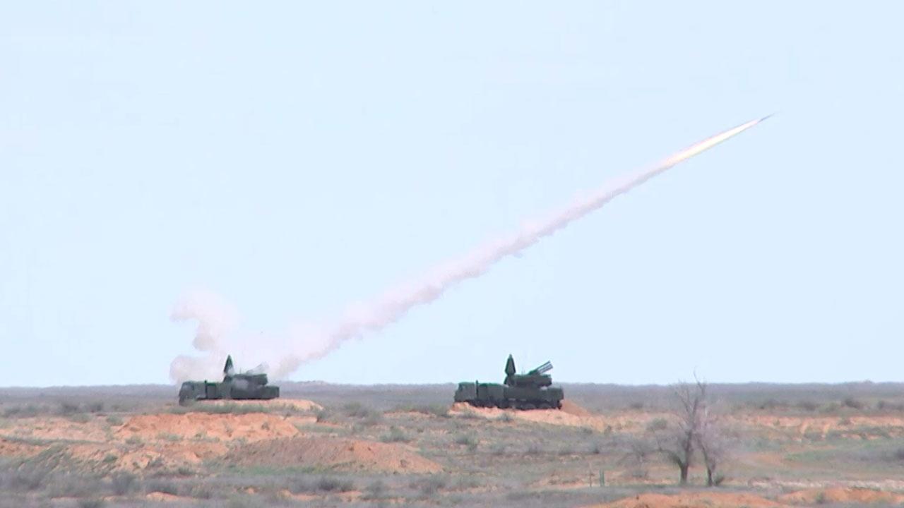 """Страним војним аташеима приказана дејство ПВО система """"Триумф"""" и """"Панцир С"""""""