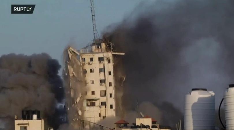 RT: Srušena desetospratnica u Gazi nakon izraelskog napada