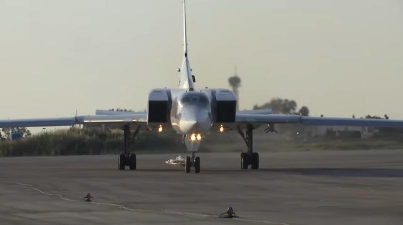 RT: Ruski strateški bombarderi Tu-22M3 prvi put sleteli u Siriju radi vežbi iznad Sredozemnog mora