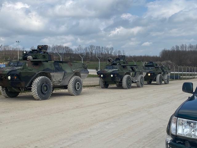 Американци поклонили оклопна возила сепаратистима у Приштини