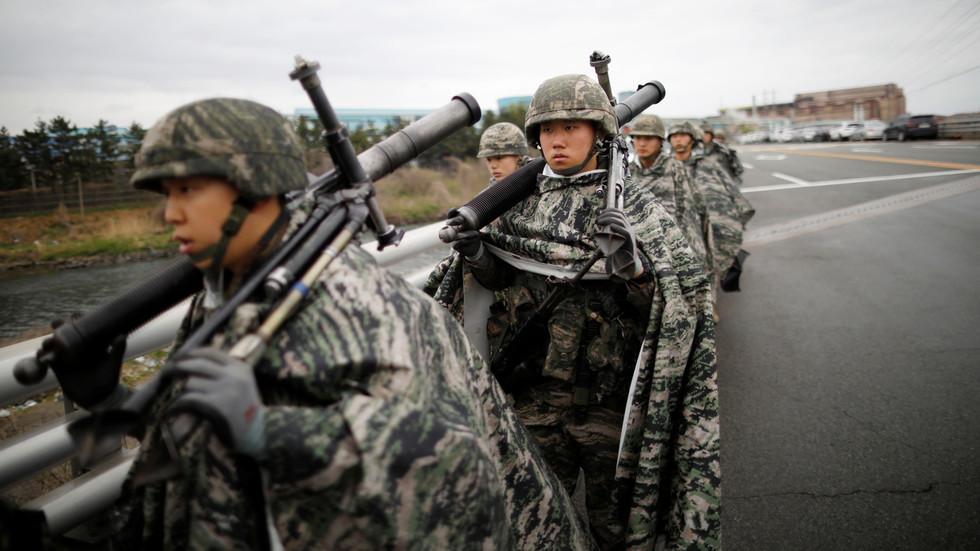 """РТ: Северна Кореја обећала да ће повећати способности превентивних напада као одговор на """"самоуништавајуће"""" америчко-јужнокорејске ратне игре"""