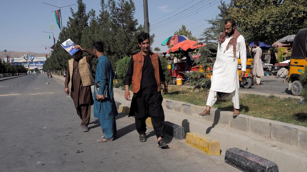 РТ: Неколико ракета испаљено на аеродром у Кабулу, америчка војска активирала ПРО како би одбила напад