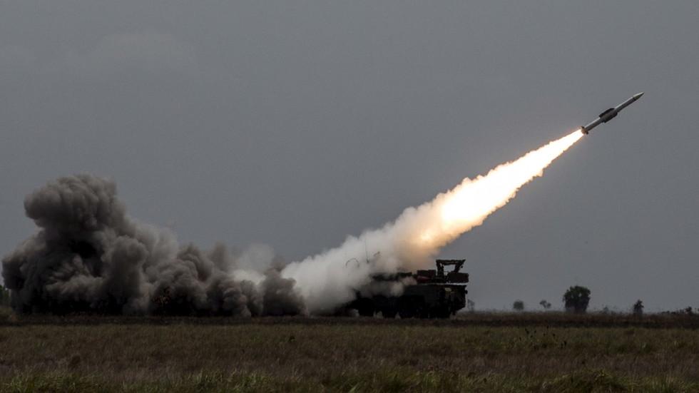 РТ: Сиријска противваздушна одбрана оборила 21 од 24 израелска пројектила испаљена на Дамаск, наводи руска војска