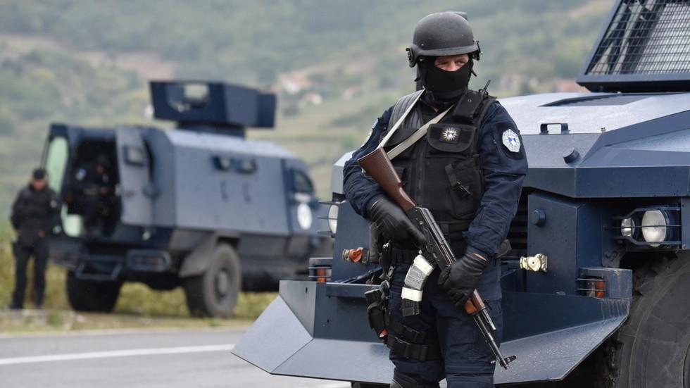РТ: Десет Албанаца ухапшено на Косову након што су напали Србе, док расту етничке тензије, увлачећи у њих Србију и НАТО