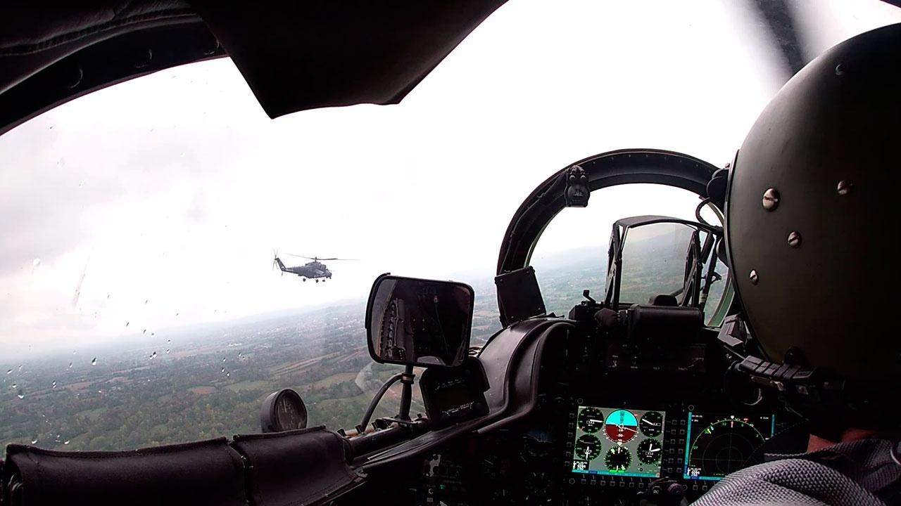 """Руско-српске посаде показале своје умеће на хеликоптерима Ми-35 у оквиру вежбе """"БАРС 2021"""""""
