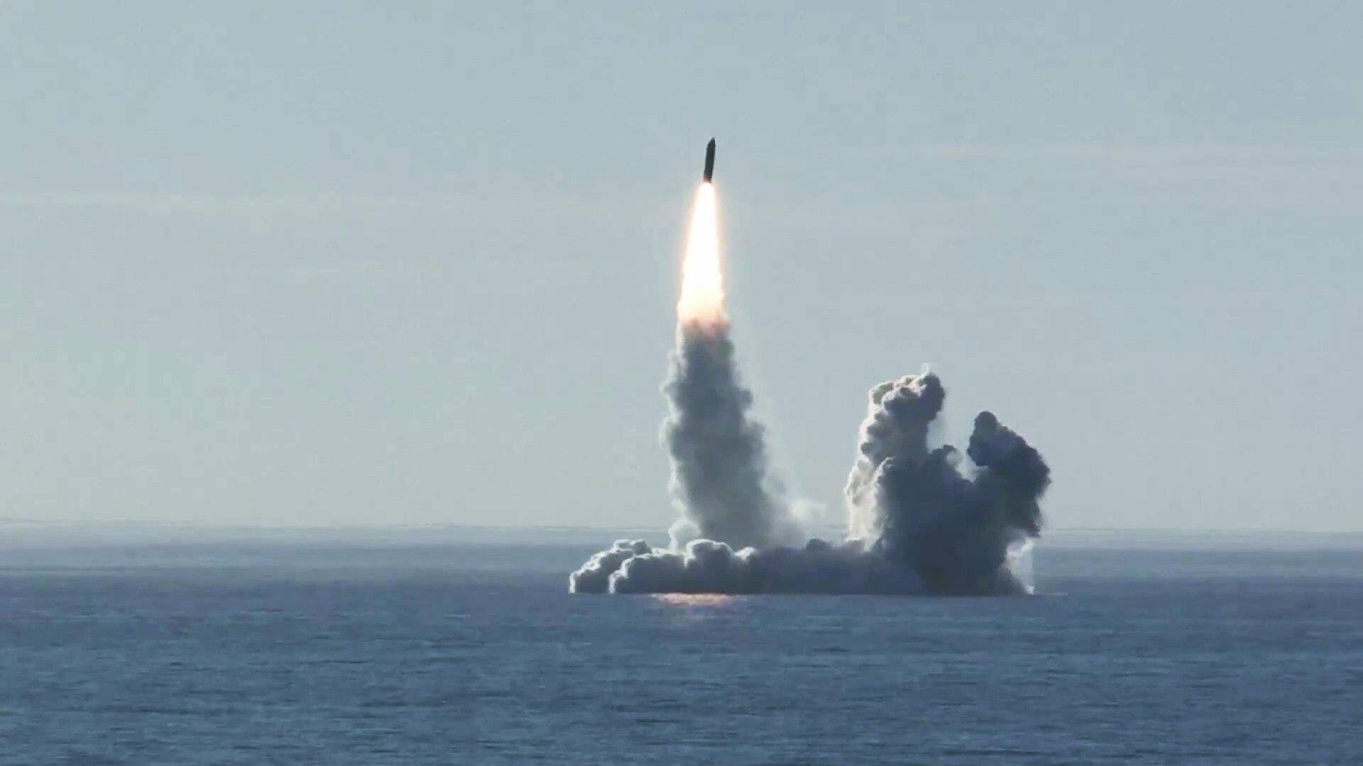 """Русија тестирала балистичку ракету """"Булава"""" са нуклеарне подморнице у Белом мору"""