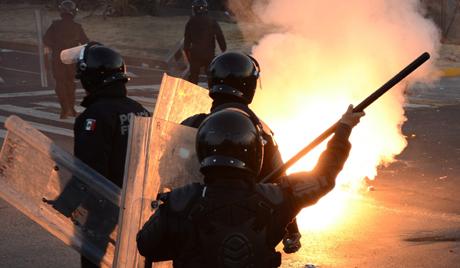 Полиција града у Мексику поднела оставку у пуном саставу