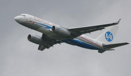 У Владивостоку принудно слетео авион