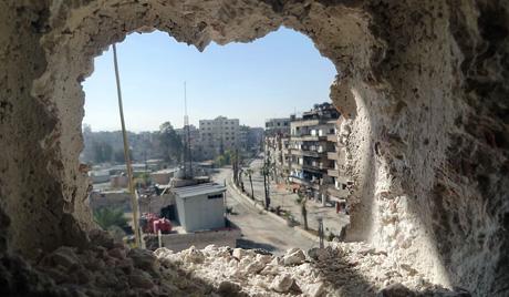 Побуњеници гранатирали стадион у Дамаску