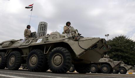 Ирачка војска гађа побуњенике у Сирији