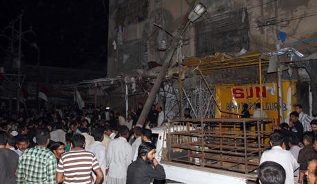 Две експлозије у Карачију