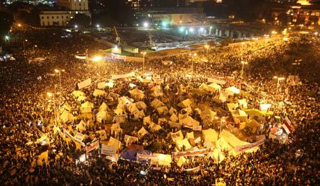 Каиро: нападнут логор демонстраната