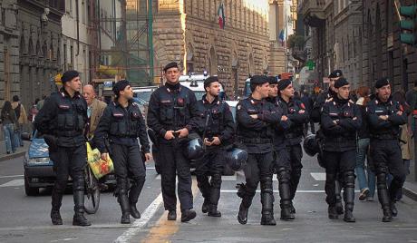 У Италији траже шесторицу терориста