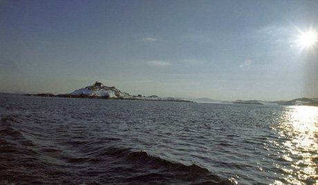 Јахта са путницима потонула у близини обале Норвешке, једна особа погинула