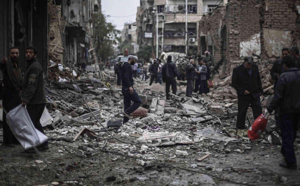 Међународна коалиција коју предводе САД бомбардовала школу у Сирији