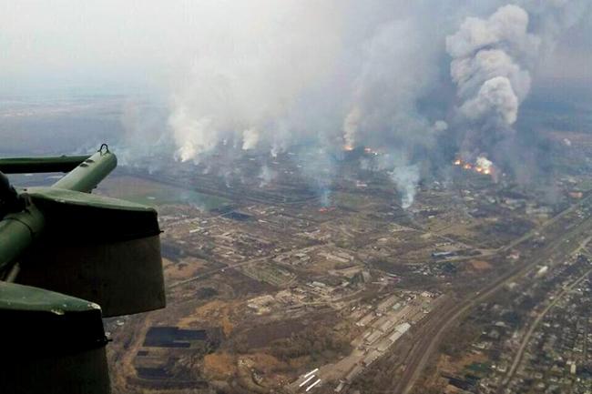 Порошенко затражио од НАТО да помогне у разминирању уништеног војног складишта