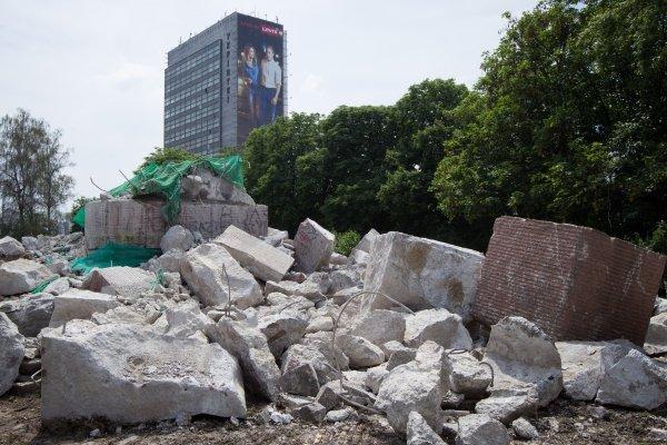 """У Украјини уклоњено 2.389 совјетских споменика, уместо њих споменици """"херојима рата против Русије"""""""
