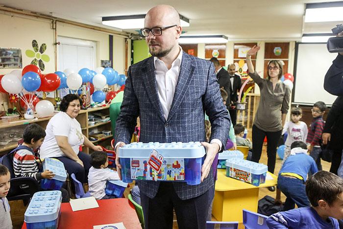 НИС уручио донацију Центру за заштиту одојчади, деце и омладине из Звечанске улице