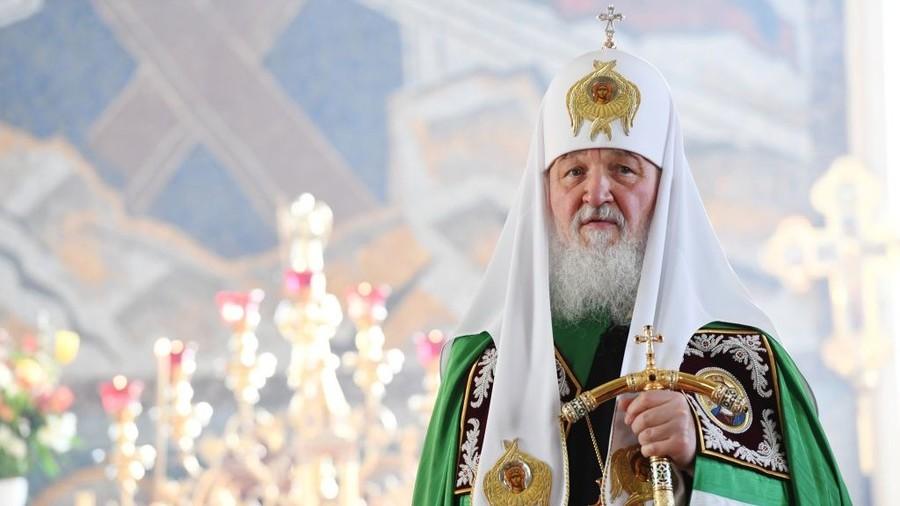 """РТ:  """"Показало би целом свету да Русија брине о будућности"""" - Патријарх позива на посебан статус вишечланих породица"""