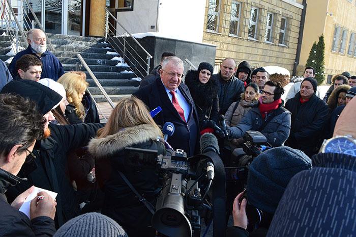 Шешељ саопштио да неће ићи у Хаг на изрицање правоснажне пресуде