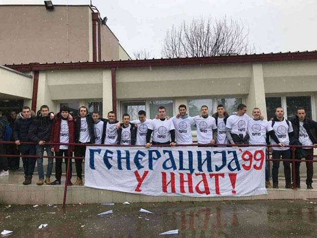 """У ИНАТ: Гимназијалцима из Даниловграда забранили да осуде НАТО злочин, па су """"гађали"""" полицију"""