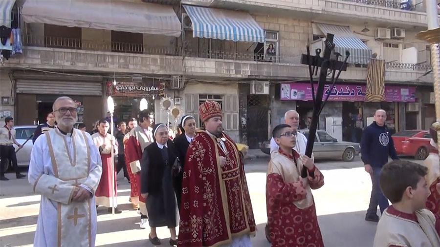 Хиљаде хришћана у Алепу и широм Сирије на прослави Ускрса
