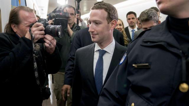 Закерберг: Фејсбук није успео да заштити своје кориснике и њихову приватност